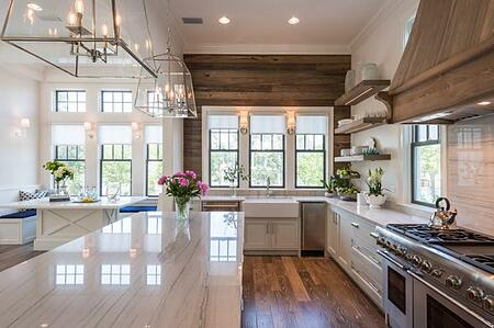 Kelly Elko_plank-wall-kitchen-600x399