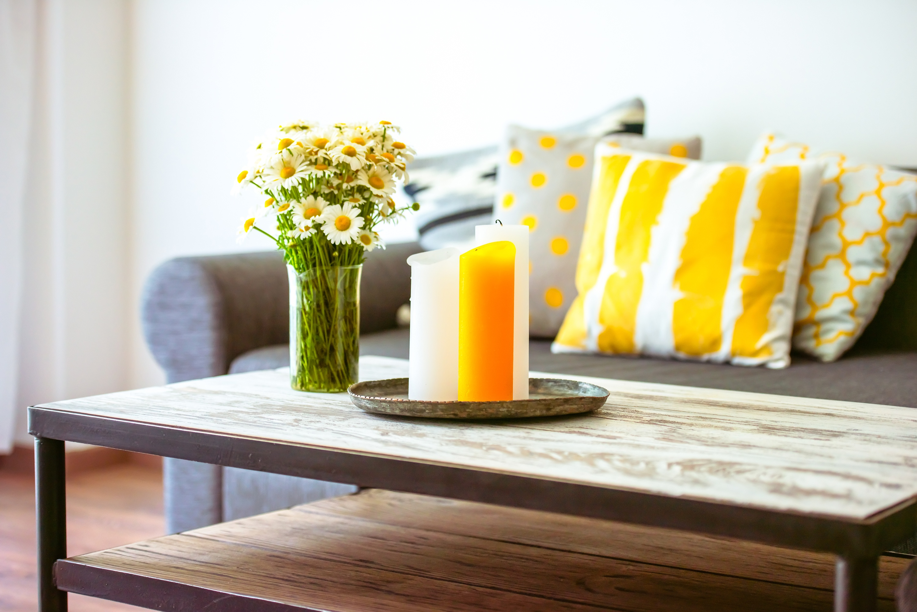 Five Tips to Refresh Your Coffee Table for Summer