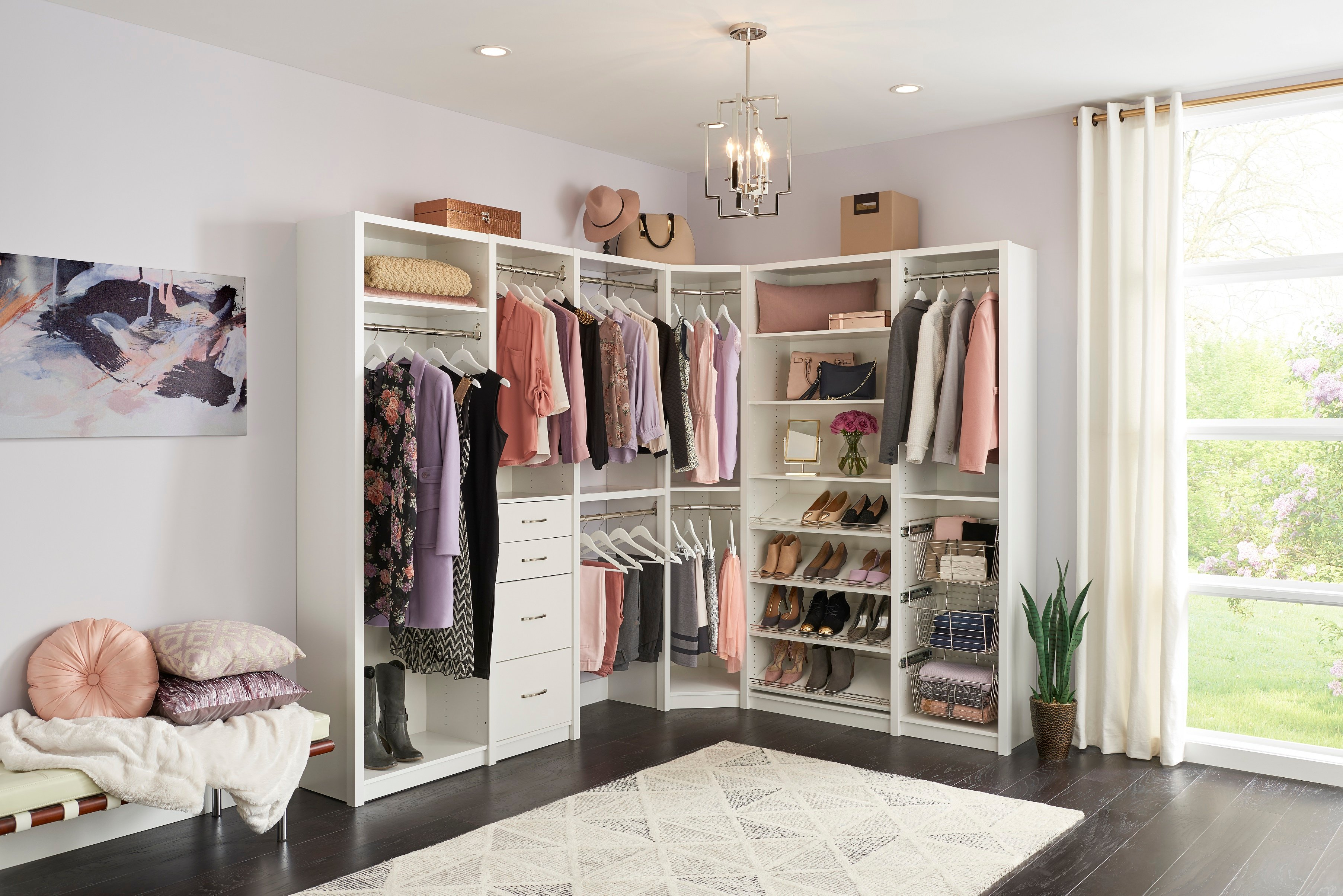 How to Organize Your Closet with Accessories