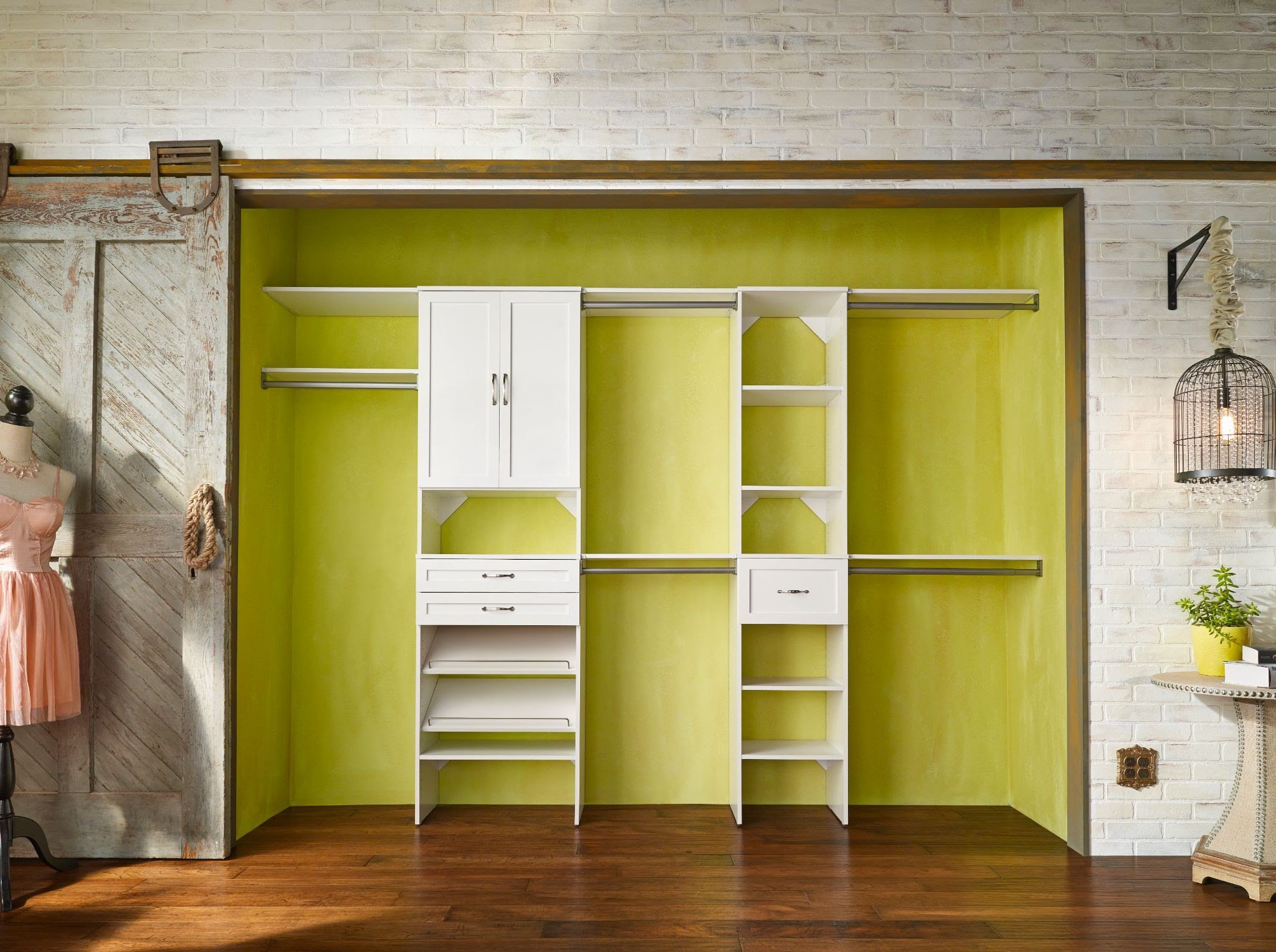 How to Cut Top Shelves for Your New Wood Closet