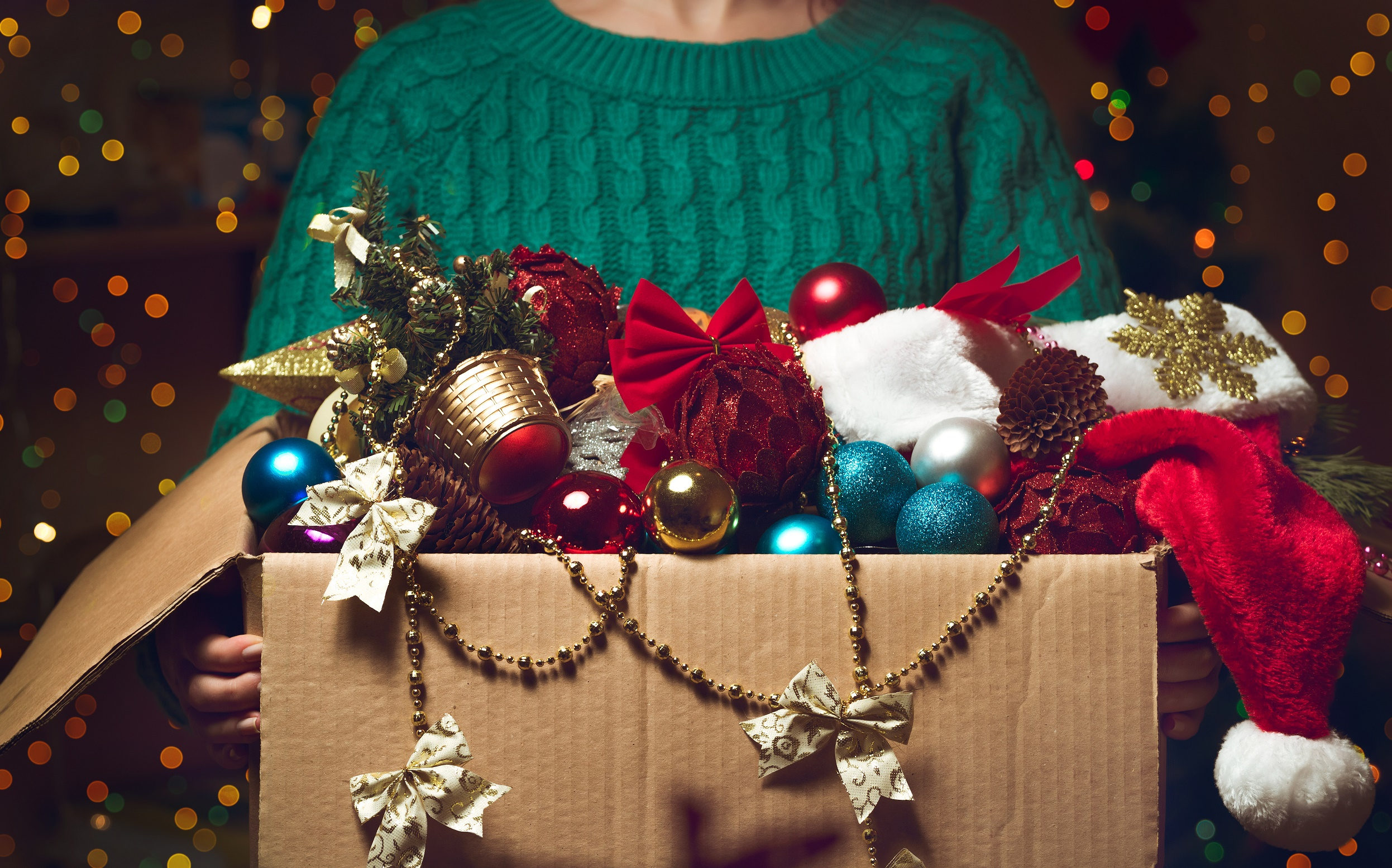 4 Ways to Store Holiday Decorations